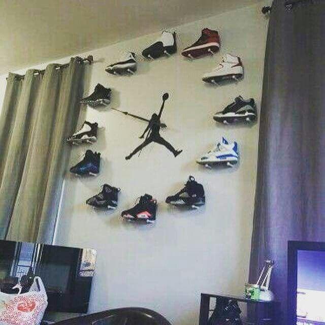 17 Best Ideas About Homemade Wall Clocks On Pinterest