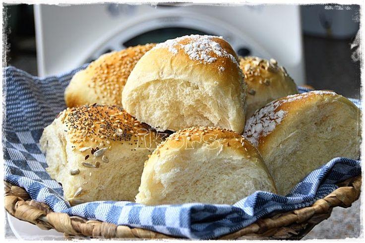 Guten Morgen Ecken   (6 Stück)     100 g Wasser   1 TL Zucker   8 g frische Hefe     2 Min./37°/St.1     170 g Mehl 550er   ½ TL Salz  ...