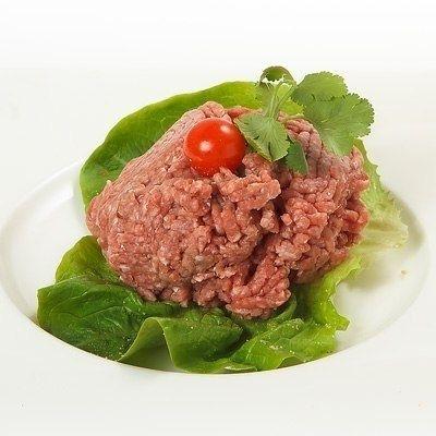 Как сделать фарш без мясорубки_Берём замороженный кусок мяса и просто натираем его на терке, затем размораживаем и сливаем лишнюю воду. Фарш готов!