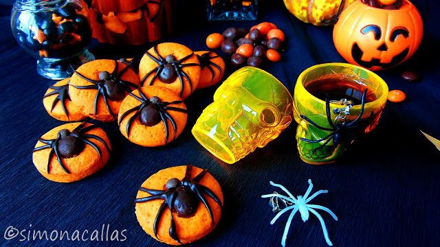 Halloween Spider Cookies by simonacallas