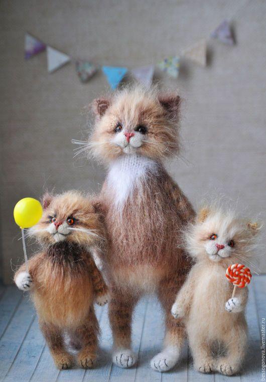 Игрушки животные, ручной работы. МАМИНО СЧАСТЬЕ вязаные кошки. Ольга Бессогонова. Ярмарка Мастеров. Кошка игрушка, кот из шерсти
