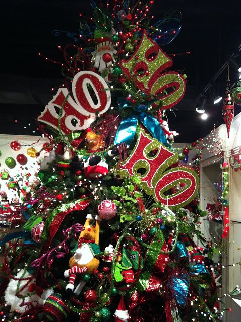 Some cute tree toppers. jv    Kristen's Creations: Christmas Tree Decorating Ideas