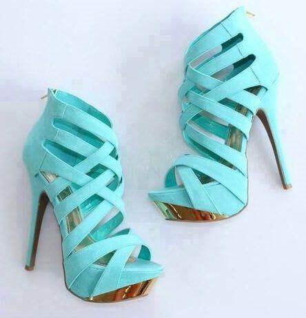 Sandália-azul-salto alto