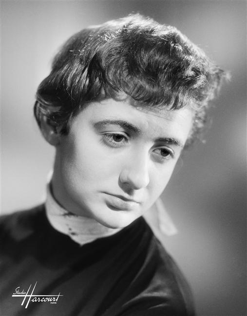 """""""Françoise Sagan, 1954"""", Studio Harcourt. Photo (C) Ministère de la Culture - Médiathèque du Patrimoine, Dist. RMN-Grand Palais / Studio Harcourt - Droits : Etat"""
