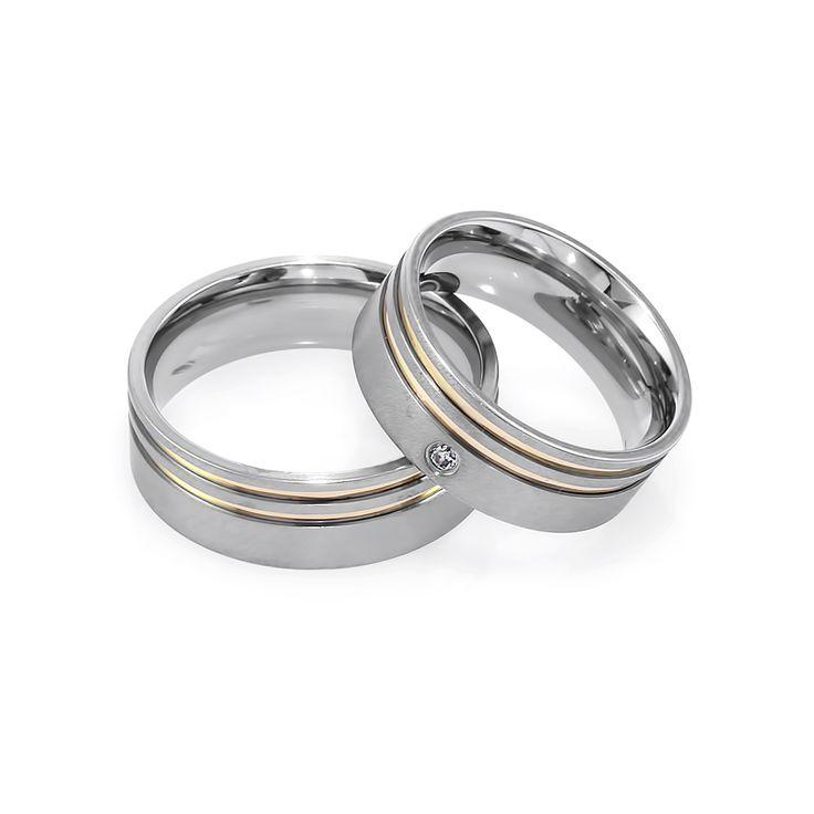 Aliança em Aço Acetinado com dois filetes em ouro 18k. #ring #steel #gold #jewelry #anel #namoro