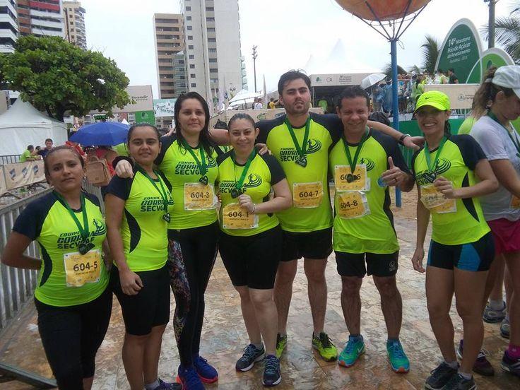 14ª Maratona de Revezamento Pão de Açúcar em 05/07/2015.  Só festa depois de recebermos as medalhas...  Valeu todo o treino...  Valeu todo o esforço...