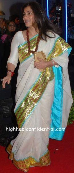 dimple rocking a blingy sari!