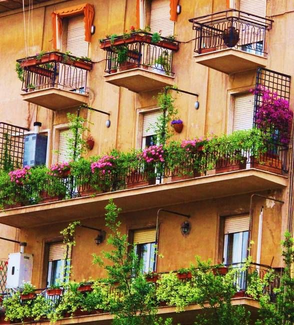26 best house colors images on pinterest house colors for Italian balcony