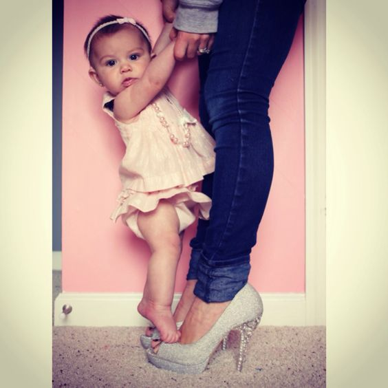 Cutest baby. Six month old pictures. Six months. Baby girl. Photo ideas. Pink. Heels. Mother and daughter.: