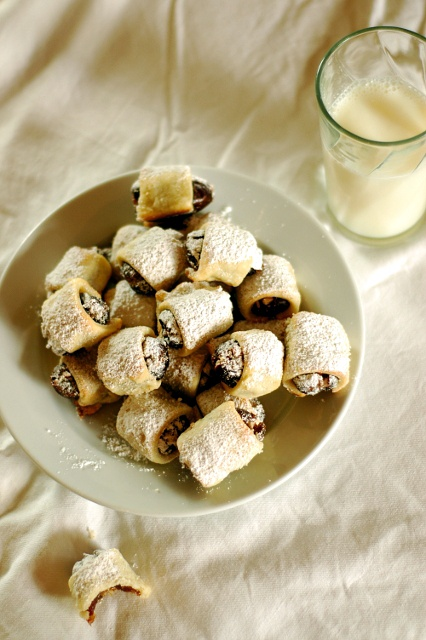 Crackers on the Couch: 12 Days of Christmas Treats: Date Roll Ups