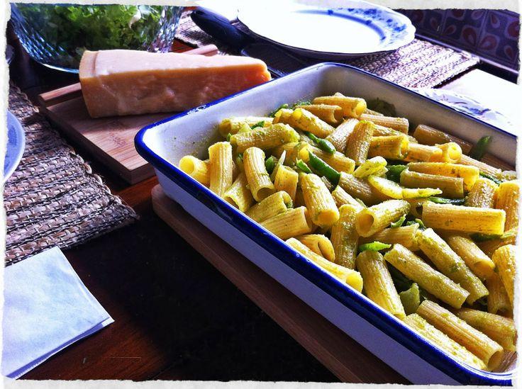 HOGAR A MANO con su receta del día: Pasta al pesto!!! Deliciosa, nutritiva y muy fácil de preparar...