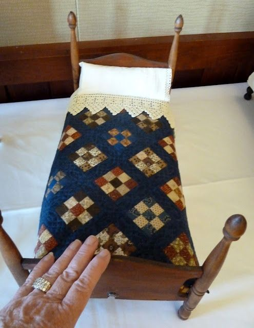 2870 best images about Miniature Quilts on Pinterest | Civil wars ... : kinds of quilting - Adamdwight.com