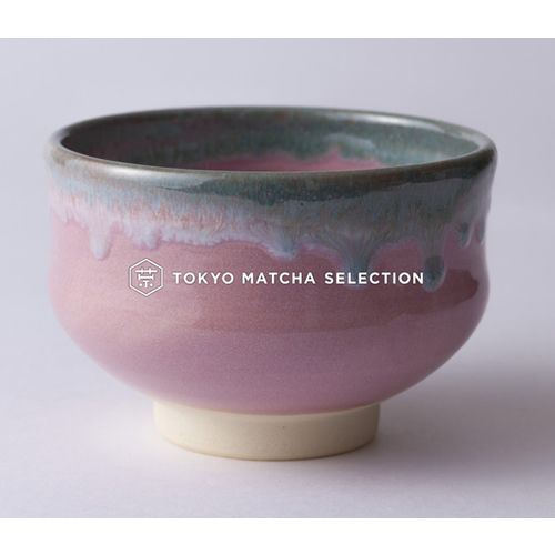 The Aesthetics of Japanese Pottery  My mother, Dolly, was raised in an area of Staffordshire commonly known as the Potteries...