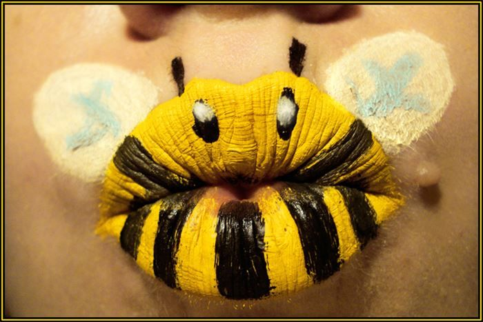 Animal-ipstick: Lips Turned Into Animals! 9 - https://www.facebook.com/different.solutions.page