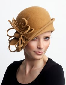 Cute hat! Would choose another color for myself, though not sure this style would work on me.
