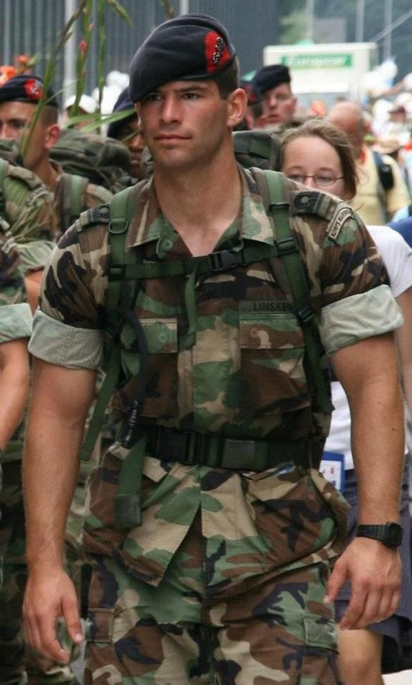 """Men in uniform aren't sexy"" - said no woman ever <3"