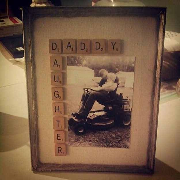 Easy DIY Projects | DIY Photo Frame Crafts at http://diyjoy.com/craft-ideas-diy-picture-frames