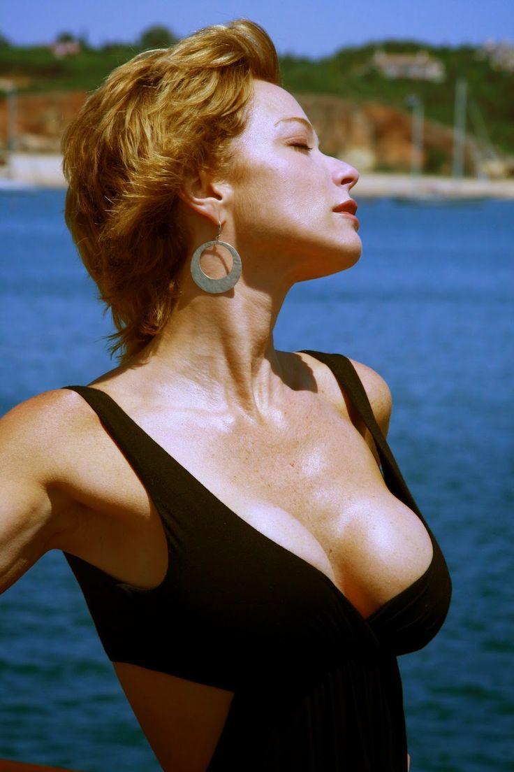 Lauren holly tits