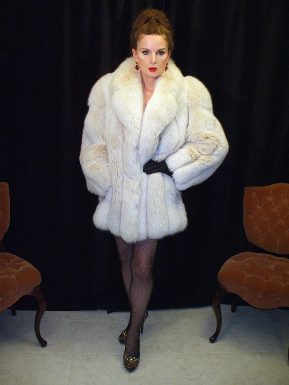 Fur, Femdom and Maybe Some Shemales Too : Photo: