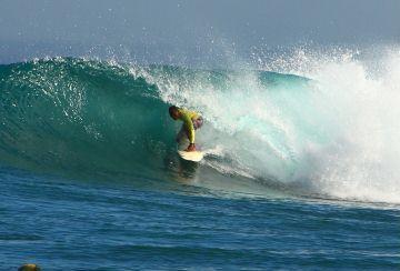 Nusa Lembongan surf