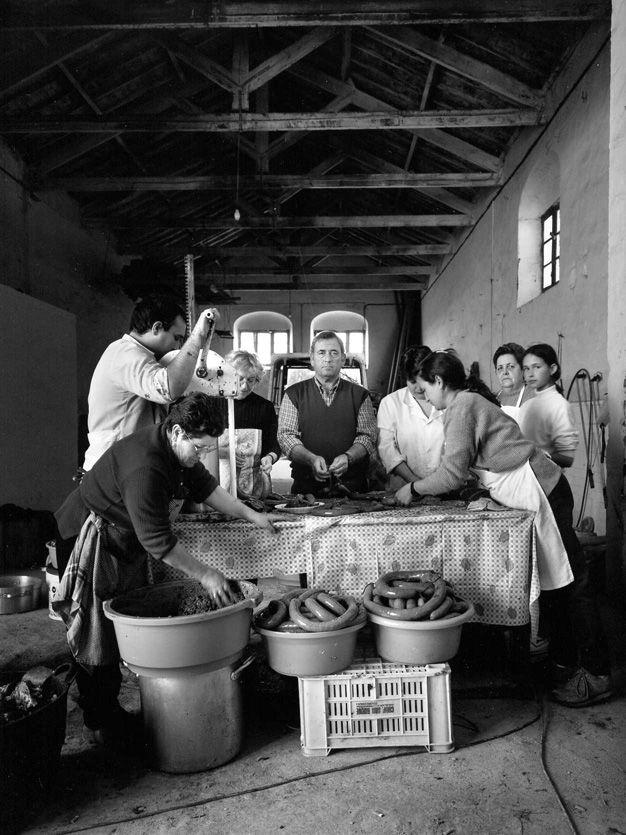 ATIN AYA. El rito de la matanza. Lucena, Córdoba. Enero 2002