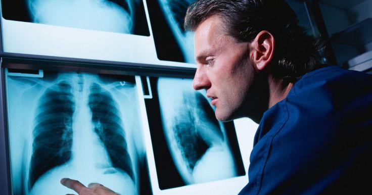 As desvantagens de ser um técnico em radiologia. Técnicos em radiologia têm a oportunidade de trabalhar próximos ao público geral e prestar um serviço valioso. Ao mesmo tempo, esse trabalho carrega alguns pontos negativos que você precisa estar ciente. Antes de decidir seguir este tipo de carreira, é importante analisar de todos os ângulos possíveis.