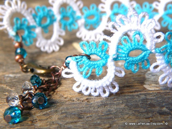 LACE TATTED BRACELET  Waves  turquoise sea blue and by LaPerLaA, €12.50