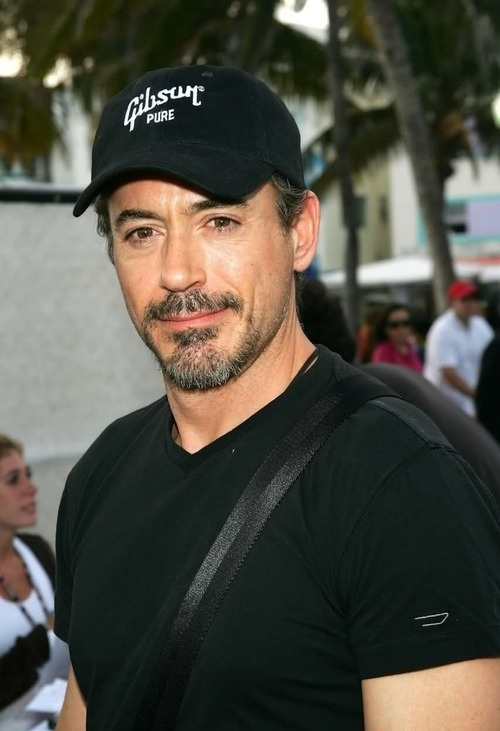 "RDJ wow he gets better with age like a fine wine""""))"