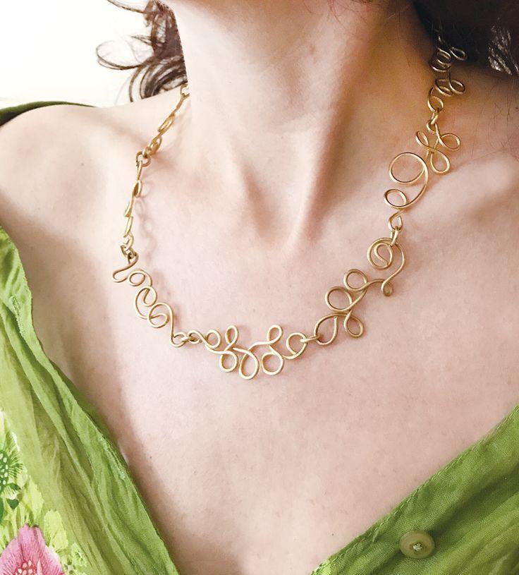 Un preferito personale dal mio negozio Etsy https://www.etsy.com/it/listing/549710173/collana-raffinata-e-elegante-in-ottone