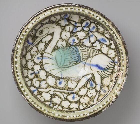 Flat-Rimmed Bowl with Bird in Foliage, early 14th century, Iran. The Harvard Art Museums Norma Jean Calderwood Collection of Islamic Art.
