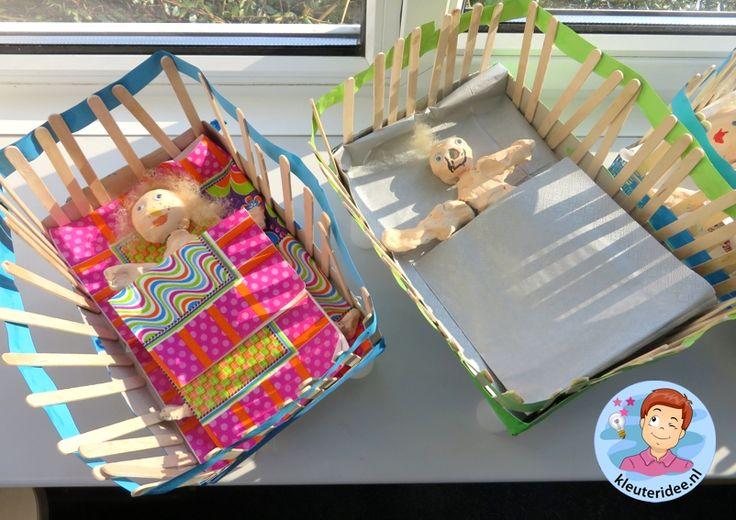 Ledikantjes knutselen, thema baby, kleuteridee.nl, Kindergarten baby bed craft