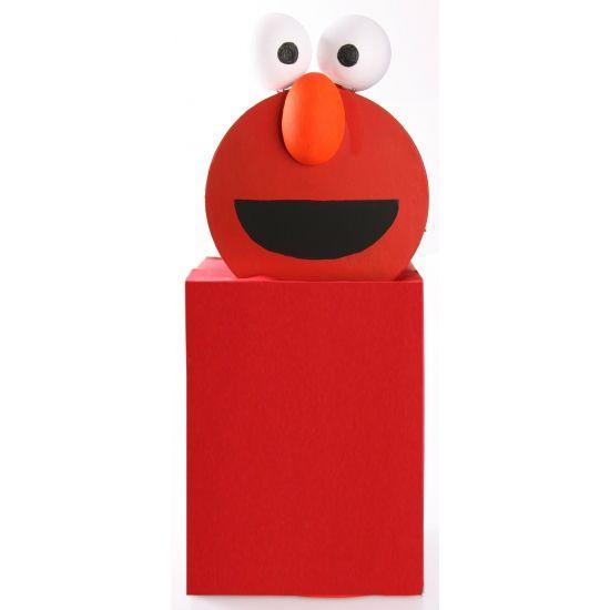 Sesamstraat Elmo surprise maken pakket. Compleet basis bouwpakket om een Elmo surpise te maken. Dit pakket bestaat uit de basismaterialen en instructies die u nodig heeft om een Elmo te knutselen van ongeveer 74 x 31 x 26 cm. Daarna kunt u de surpise naar eigen wens versieren en personaliseren.  Eenvoudig zelf een Sinterklaas surprise maken met de Surprise bouwpakketten van Shoppartners. Bekijk alle DIY Surprise ideeen snel.
