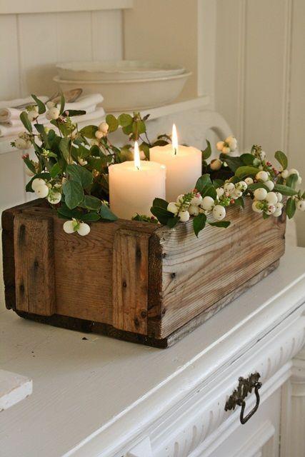 Holzkiste, Kerzen, Grünzeug...