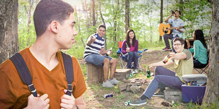 фильме сыграли видео молодежи на пикнике сразу стала колени