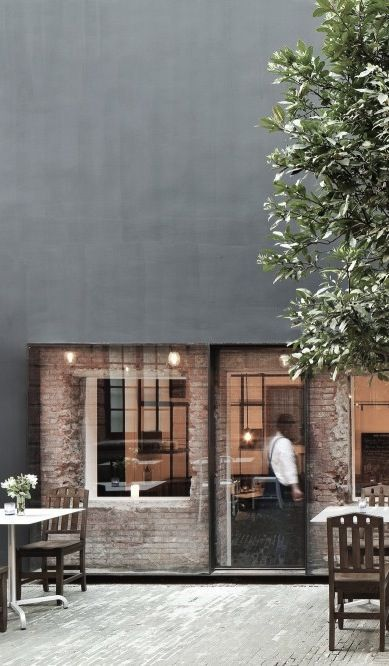 This industrial look, mixed with and old world brick feel is brought to a very chic and modern aesthetic. LOVE! <3