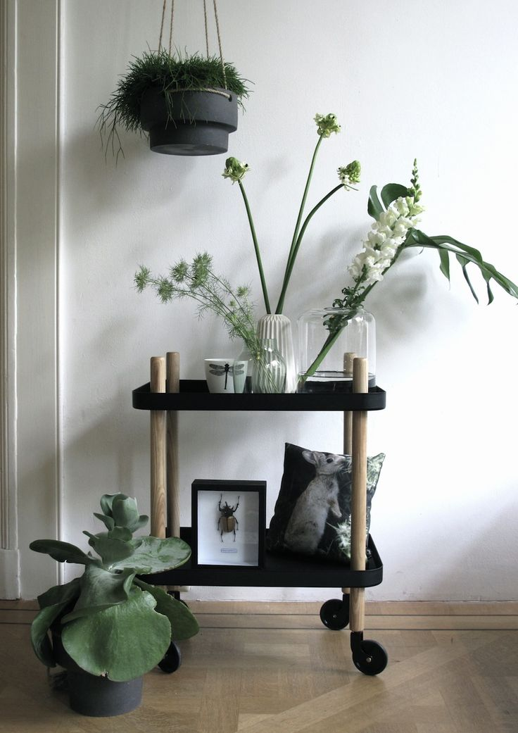 desserte block style inspiration and trays. Black Bedroom Furniture Sets. Home Design Ideas