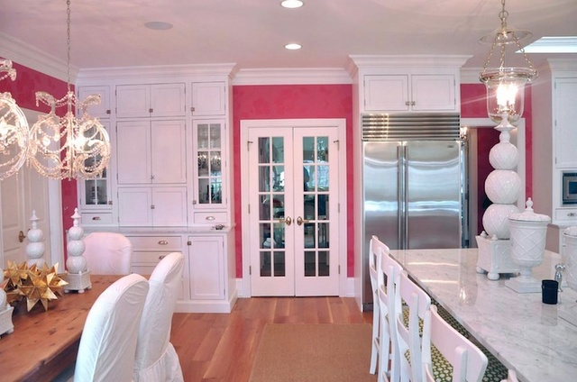 white cabinets: Kitchens Design, Dreams Houses, Dreams Kitchens, French Doors, Hot Pink, Pink Kitchens, Pink Wall, White Cabinets, White Kitchens