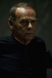 Dean Stockwell is the inimitable Brother Cavil/Number 1.