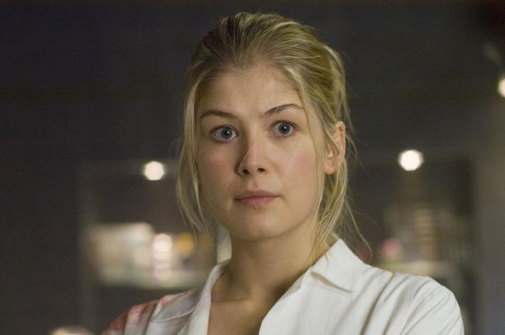 Rosamund Pike (age 35) as Diana Bishop.-All Souls Trilogy