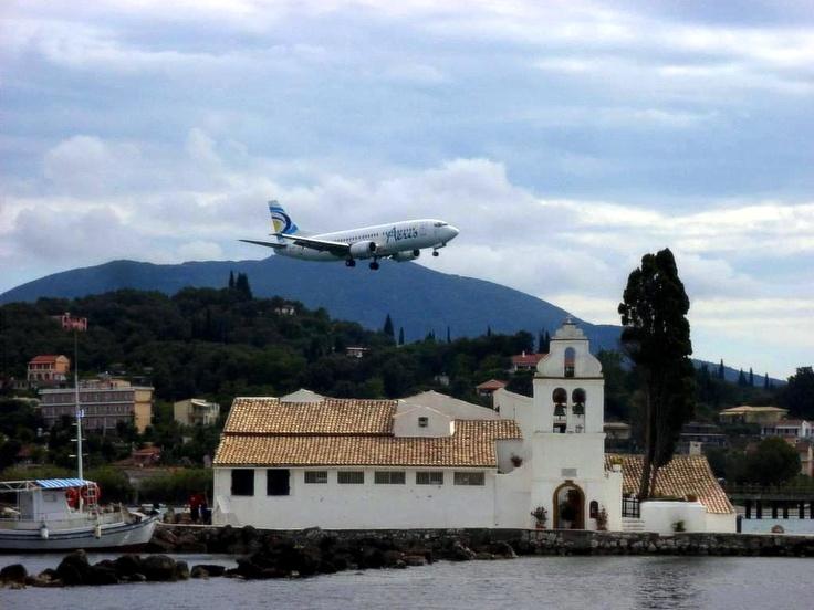 airport corfou kerkira grece | Un tour en Grèce