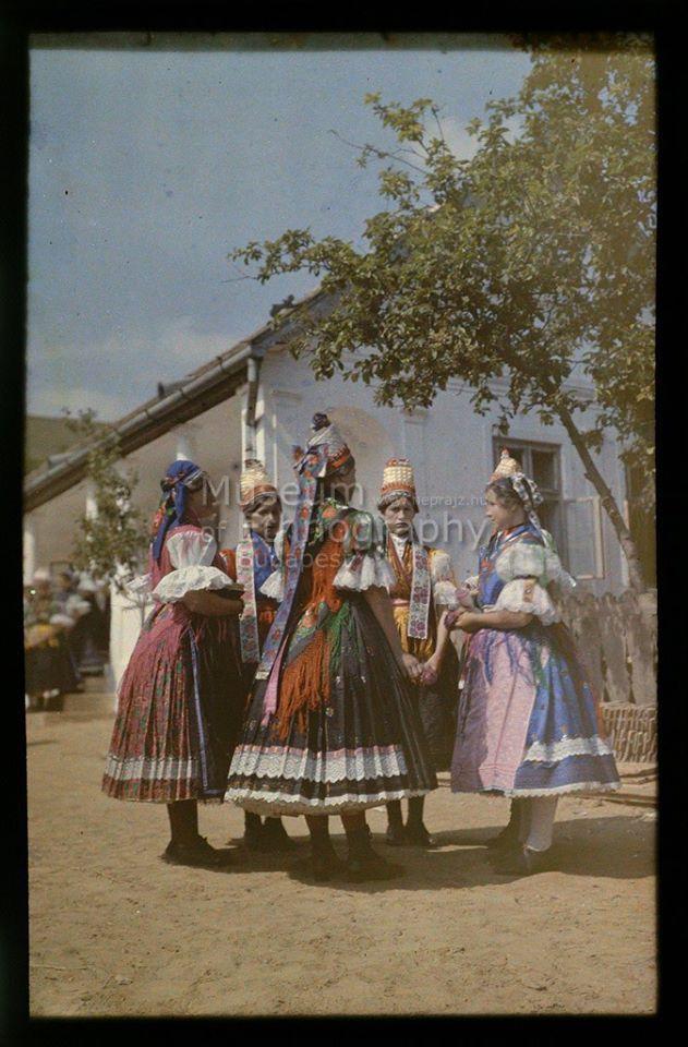 1926. Nádújfalu - Ünnepi ruhás palóc menyecskék csoportja