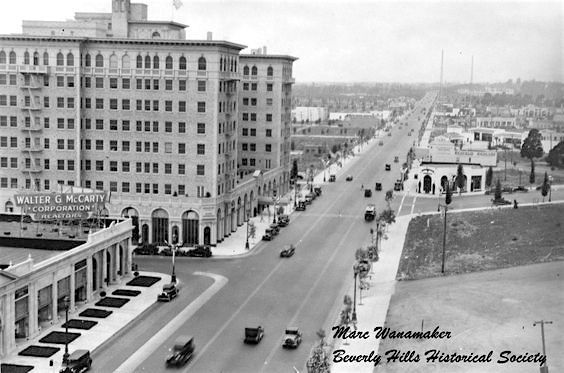 In this 1929 photo of Wilshire Blvd, we can see the Beverly Wilshire Hotel, which at this time would have only been open a year. It's facing Rodeo Drive whose eastern corner is a vacant lot (!) western corner would, in 1931, become the Beverly Hills location of the Brown Derby restaurant.