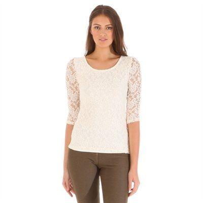Pimkie.de : Um Destroy-Jeans einen femininen Touch zu verleihen gibt es nichts Besseres als ein Spitzen-Top.