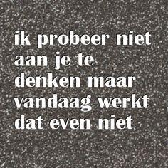 Ik mis je, ik probeer niet aan je te denken maar vandaag werkt dat even niet. liefdesgedichten-liefdesgedicht.nl