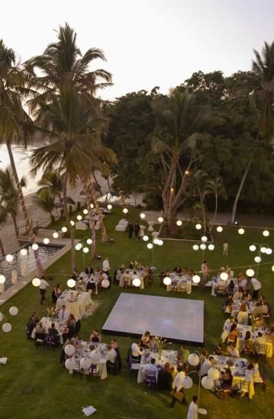Intimate ocean-side reception in Riviera Nayarit