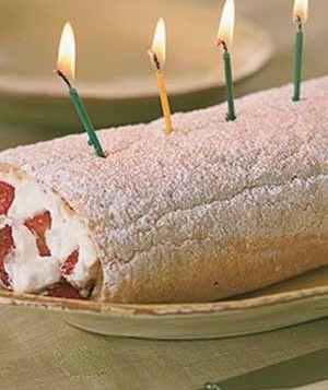 Strawberry Long-Cake RollCake Rolls, Rolls Easterdessert, Strawberries Long Cak, Easter Desserts, Jelly Rolls, Rolls Cake, Strawberries Shortcake, Long Cak Rolls, Lemon Bar