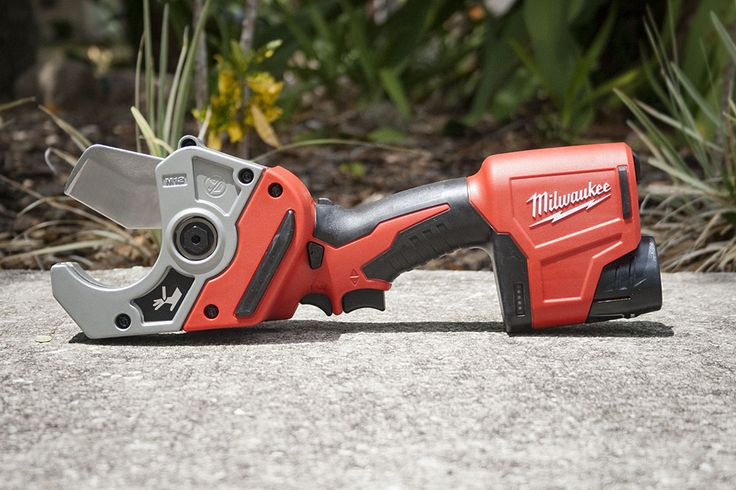 The Milwaukee M12 Plastic Pipe Shear is now a tool that goes with Pro Plumber, Scott Strollo, to every job - find out why! #milwaukeetool #plumbing #pipeshear #pipecutting #plumber #m12 #NBHD #tools #powertools #cordlesstools #landscaping #irrigation https://www.protoolreviews.com/trades/plumbing-trades/milwaukee-m12-plastic-pipe-shear/31289/