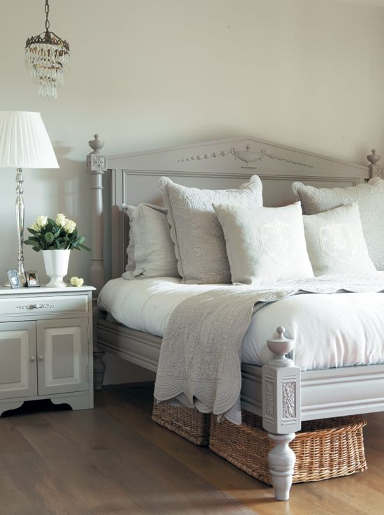 Best Love This Bed Master Bedroom Pinterest Gardens 400 x 300