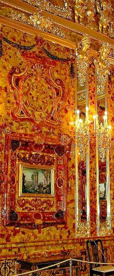 THE ROMANOVS RESIDENCES ~ Amber Room of the residence of Empress Catherine II in Pushkin Tsarskoye Selo, the 18th century