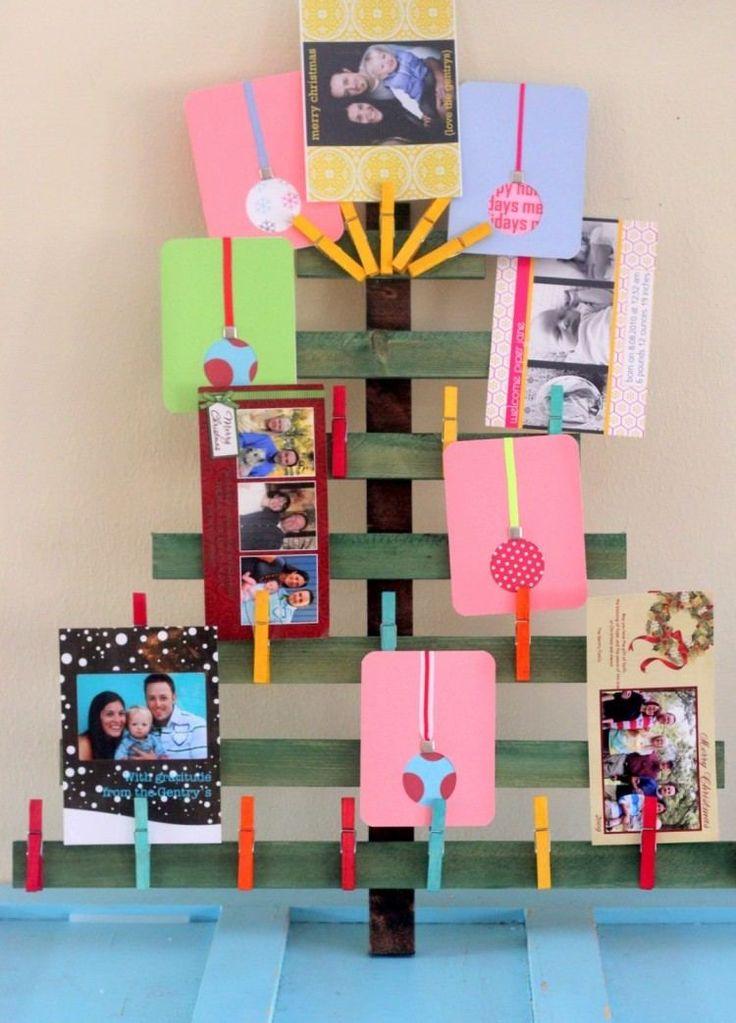 kreative Weihnachtsbaum mit Familien Fotos und karten